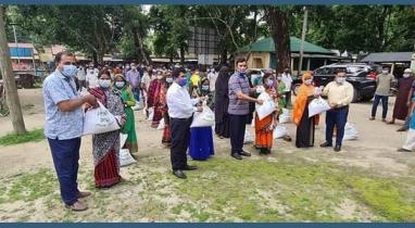 ঠাকুরগাঁওয়ের বালিয়াডাঙ্গীতে অসহায় ও দুস্থ পরিবারকে প্রধানমন্ত্রী উপহার ঈদ উপহার প্রদান