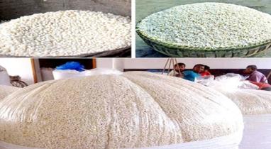 কুমিল্লায় রমজান মাসকে ঘিরে মুড়ি উৎপাদনের ব্যস্ততা বেড়েছে