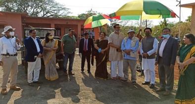 মুম্বাইয়ের ফিল্ম সিটিতে 'বঙ্গবন্ধু'র শুটিংস্পট পরিদর্শন করেন তথ্যমন্ত্রী