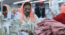 লকডাউনে স্বাস্থ্যবিধি মেনে চলছে পোশাক কারখানা